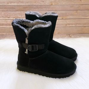UGG Bailey Buckle Cali Collage In Black